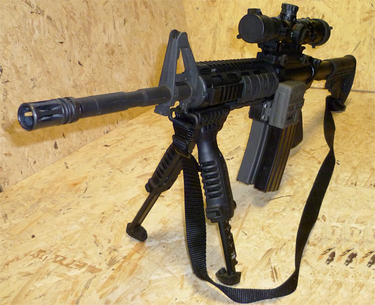Redi-Mag Johnson monté sur AR15 - Cliquer pour agrandir
