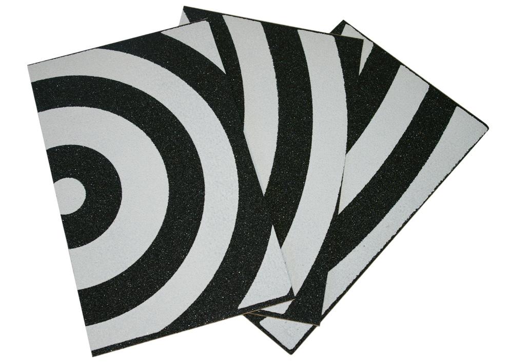grip de skate courbes noir et blanc pour am liorer la prise en main des armes de poing. Black Bedroom Furniture Sets. Home Design Ideas
